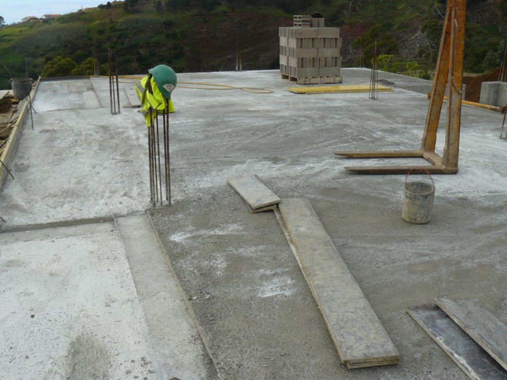 Vloer Voor Balkon : Eerste verdieping vloer krijgt beton u droomhuis op madeira